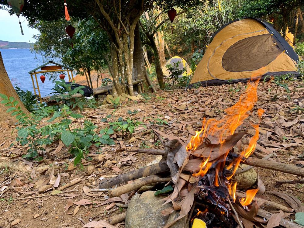 Nghĩ đêm bằng Lều tại Phú Ninh