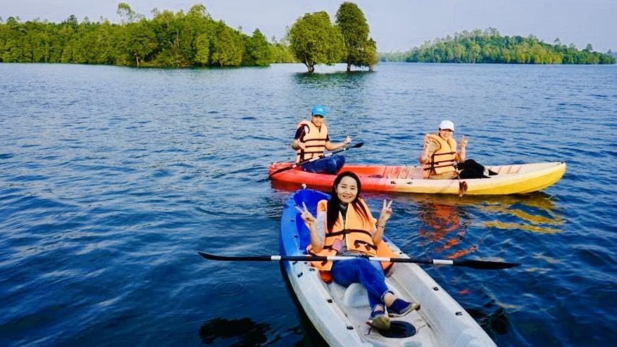 Chèo Kayaz Hồ Phú Ninh
