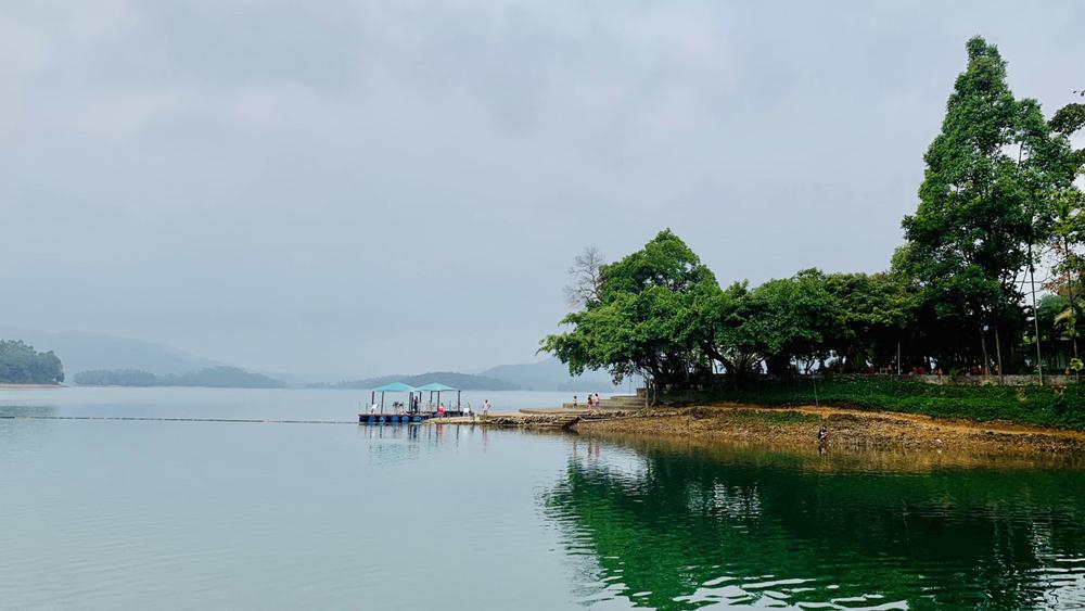 Khu du lịch sinh thái Hồ Phú Ninh